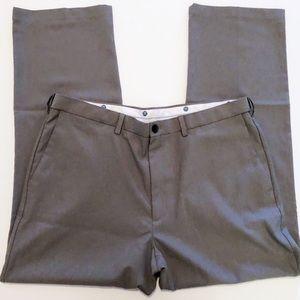 Haggar Classic Fit Dress Pants• Men's 40x32